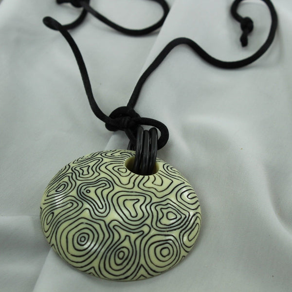 Artisan Etched Pendant Necklace Black and Cream