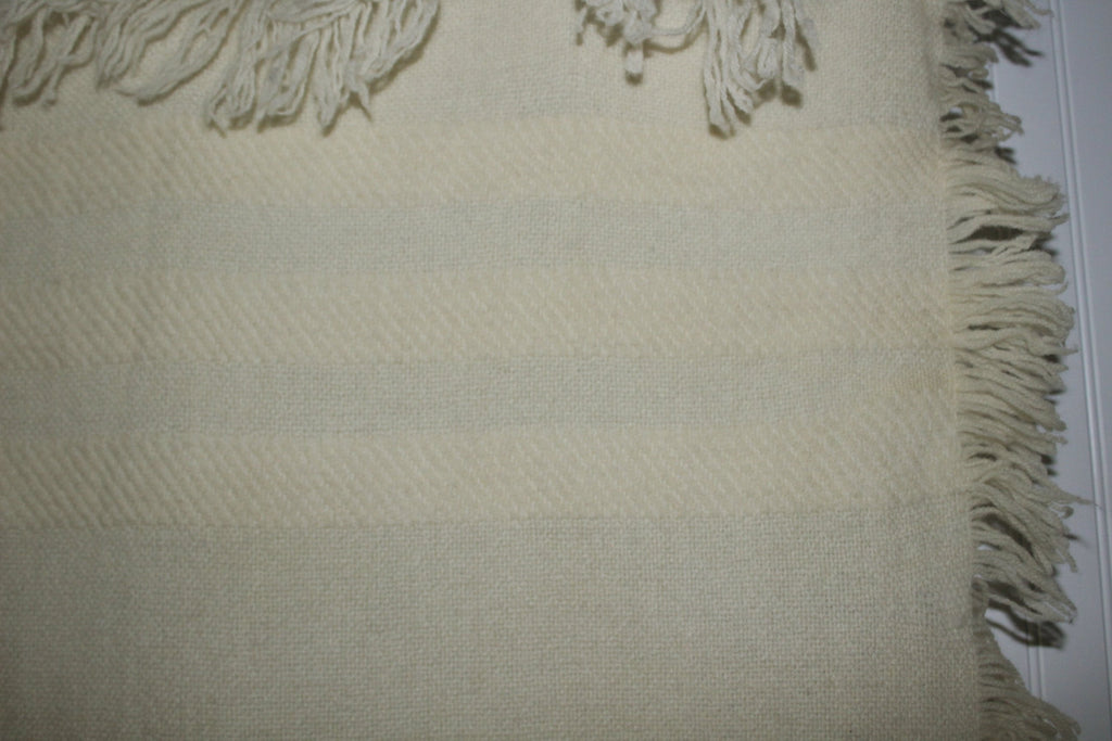 Wool Throw Hand Woven Ivory Fringe 4 Sides Churchill No Tag lovely