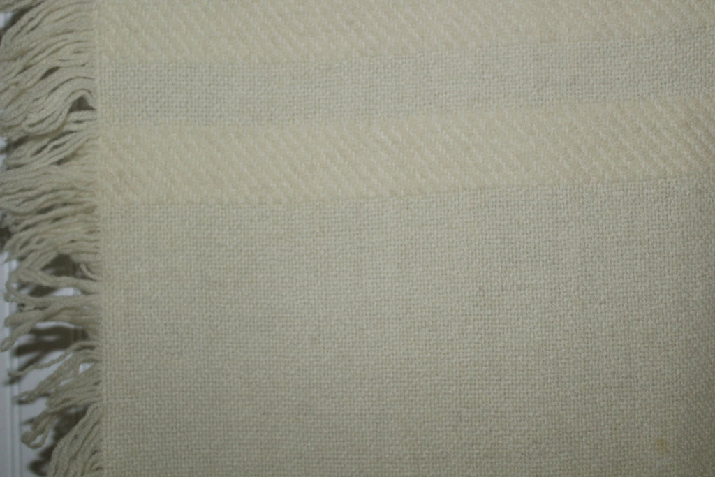 Wool Throw Hand Woven Ivory Fringe 4 Sides Churchill No Tag weave