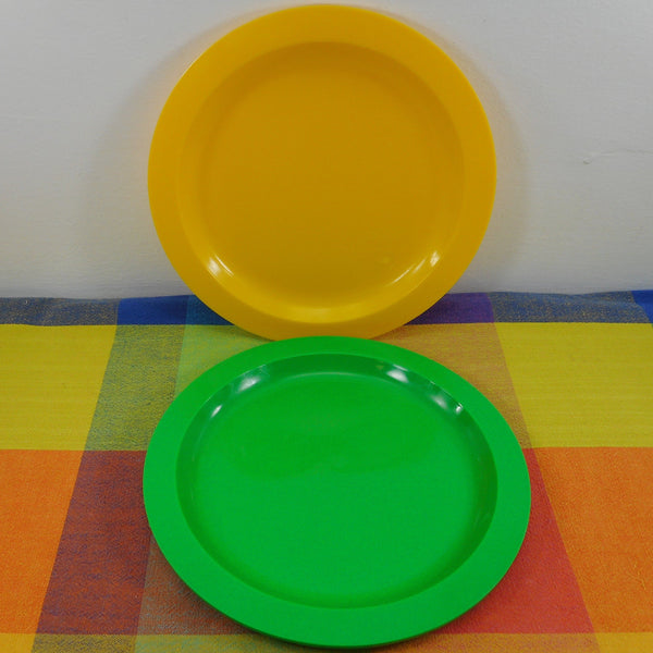 Ingrid Chicago Mod Plastic Party Ball Picnic Camping Set Replacement Part - Dinner Plate 9-1/8""