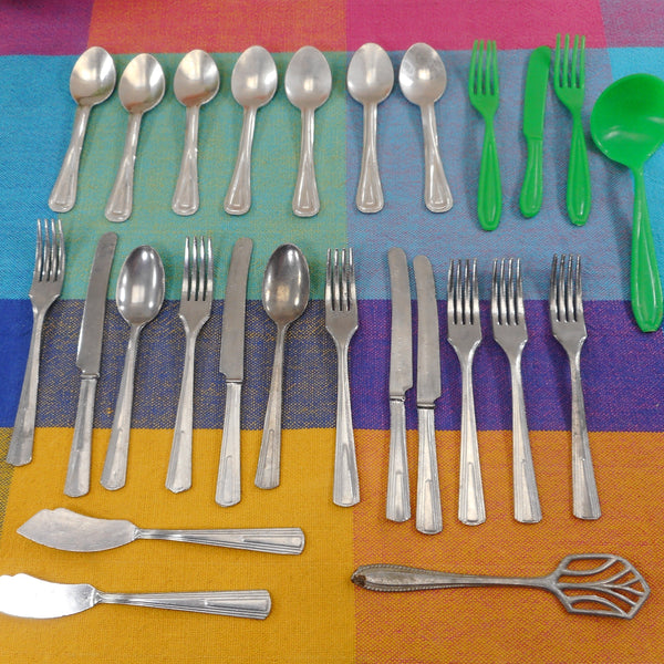 Unbranded USA 26 Pieces Vintage Child Play Toy Flatware