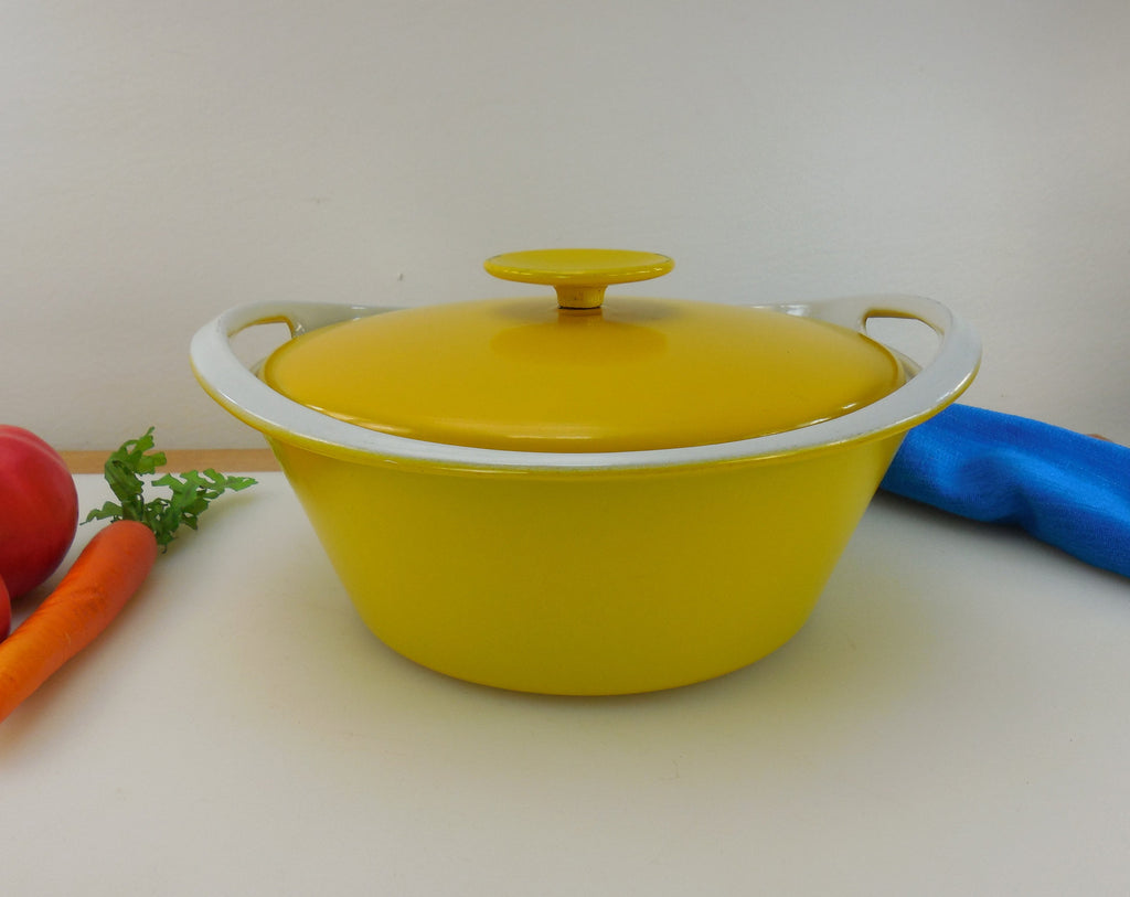 Copco Denmark Michael Lax - Yellow White Enamel Cast Iron Dutch Oven Casserole Pot Lid