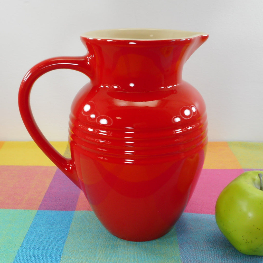Le Creuset Stoneware 2.25 Quart Red Pitcher 09-24