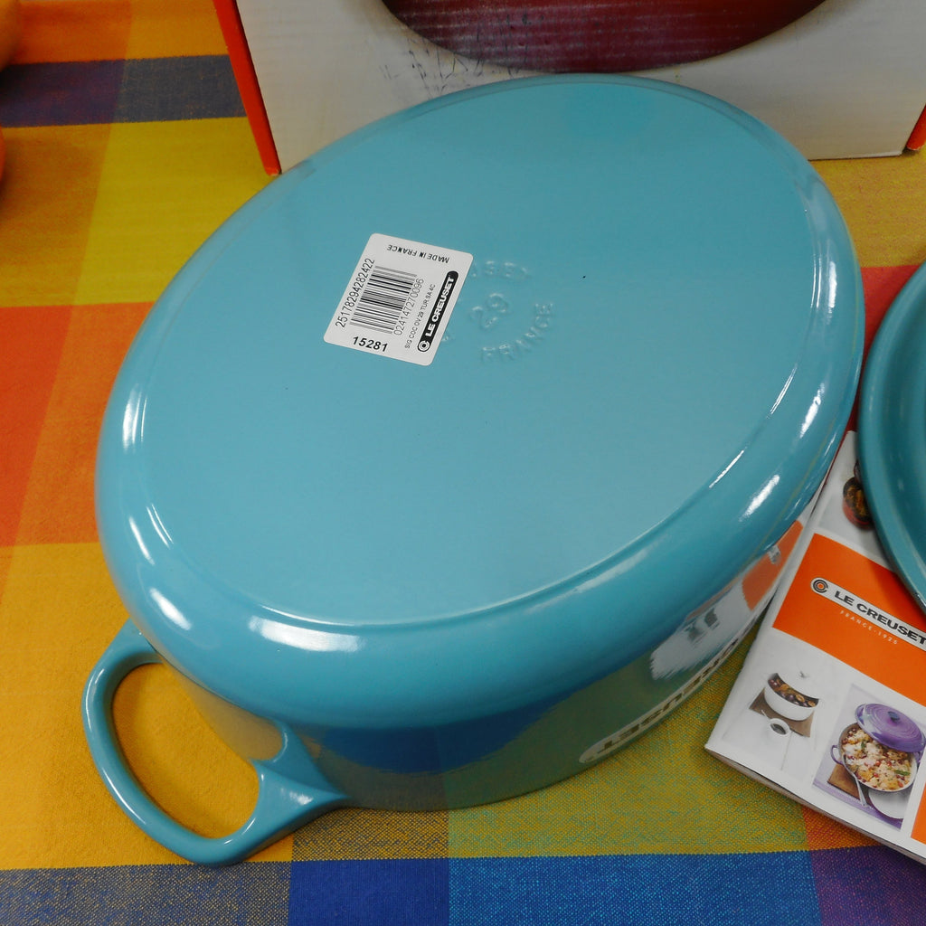 Le Creuset France Signature Turquoise Enamel Cast Iron 5 Quart Oval Dutch Oven 29