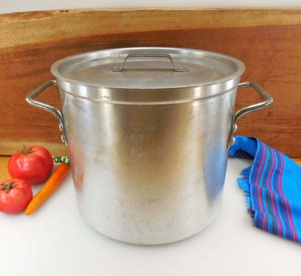 Toroware by Leyse USA - NSF Commercial Aluminum 12 Quart Stock Pot with Lid #5312