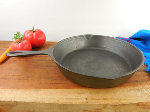 Lodge Cast Iron #6 Skillet Fry Pan - 3 Notch Smooth Interior Vintage Cookware