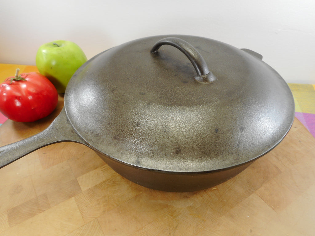 Lodge USA 3 Notch #8 Cast Iron Chicken Fryer Deep Skillet wt Basting Lid  Used
