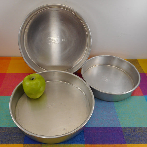 Magic Line Aluminum L.A. CA Bakeware - 3 Round Cake Pans 10x2 8x2 Used