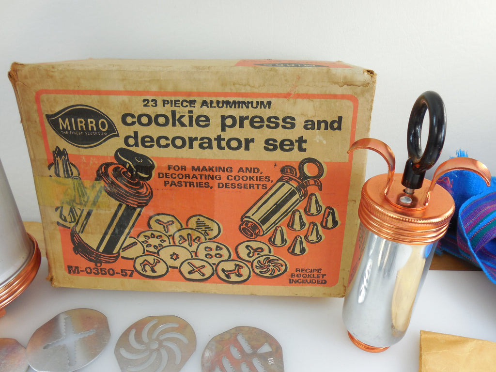 Mirro Vintage Cookie Dessert Pastry Press - 23 Piece Set with Original Box and Booklet... nice.