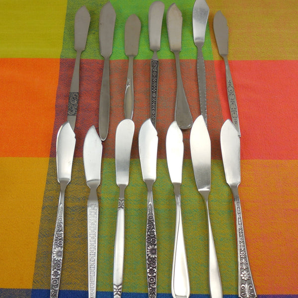 Mismatched Flatware Black Highlight Modern Stainless - 14 Master Butter Knives- Mixed Maker Pattern