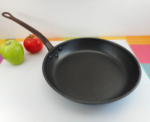 "Unbranded Commercial Style 11"" Chef Fry Pan Skillet - Non-stick Aluminum Cast Iron Handle"