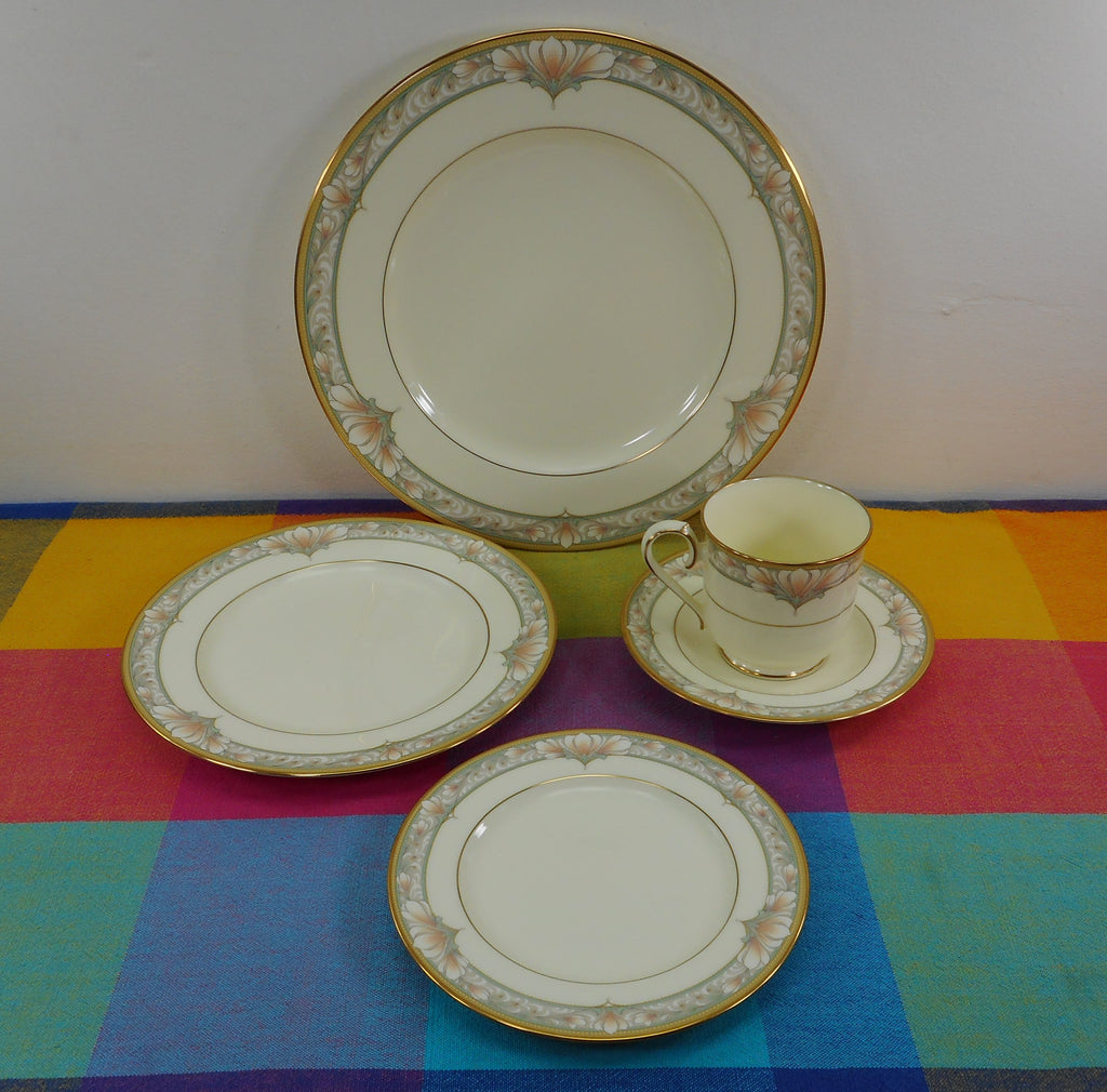 Noritake Japan Bone China - Barrymore 9737 - 5 Piece Place Setting Plates