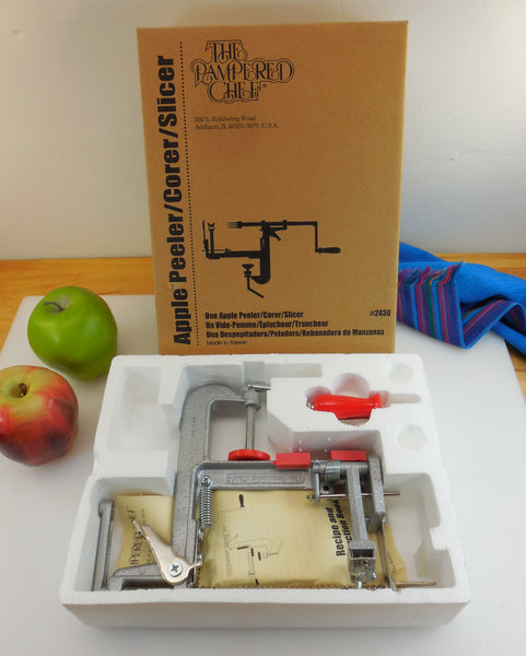 The Pampered Chef Apple Peeler Corer in Original Box... New NIB