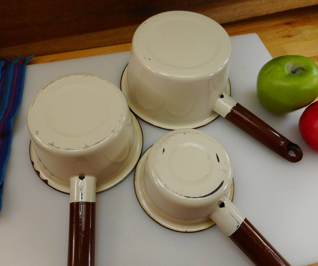 "Unbranded 3 Size set Brown Tan Enamelware Sauce Pans 5"" 6"" 7"" - Vintage Old Farmhouse Primitive"