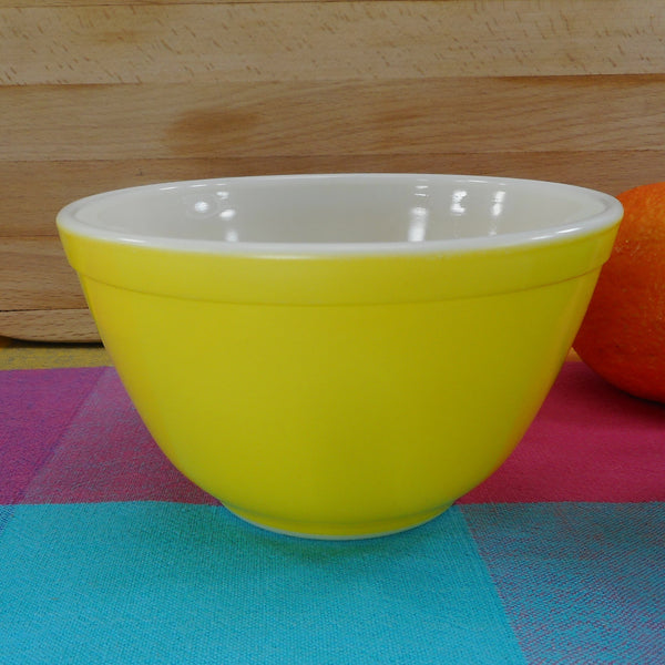 Pyrex Glass Mixing Bowl - Small Yellow 1-1/2 Pint - 401