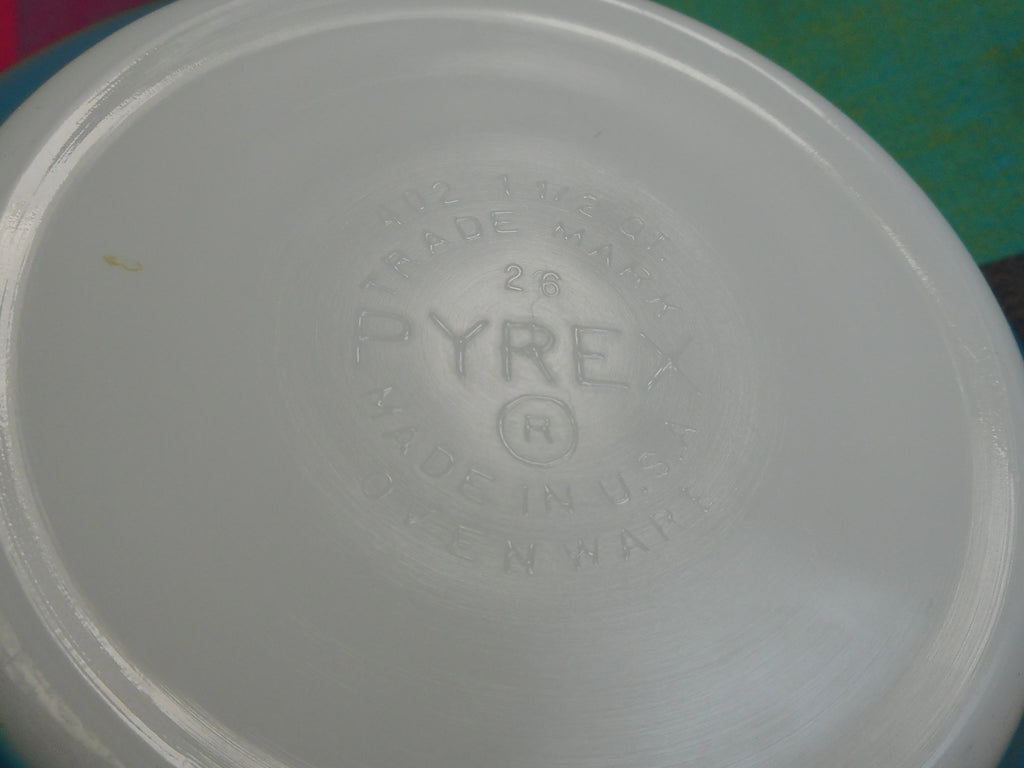 Pyrex Glass Mixing Bowl - Primary Blue 1-1/2 Quart - 402... logo