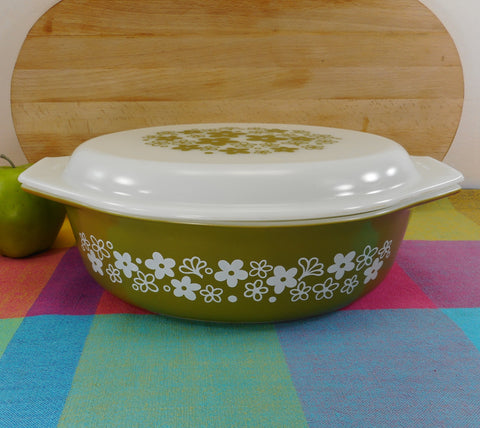 Pyrex Glass USA Crazy Daisy Spring Blossom 045 Oval Lidded Casserole Dish 2-1/2 Quart Green