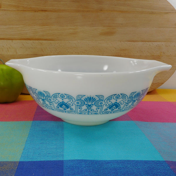 Pyrex Glass Blue Horizon 2-1/2 Quart Cinderella Bowl 443