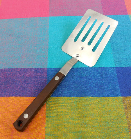 "Pyramid Japan Small Short Slotted Spatula 9-3/8"" Brown Canoe Muffin Handle Ekco Style"
