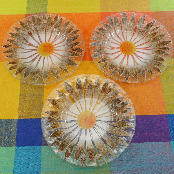 "Sydenstricker 3 Fused Art Glass Plates 7"" Daisy Flower"