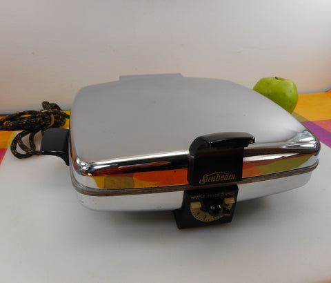 Sunbeam USA Vintage Chrome Waffle Maker Baker Model CG