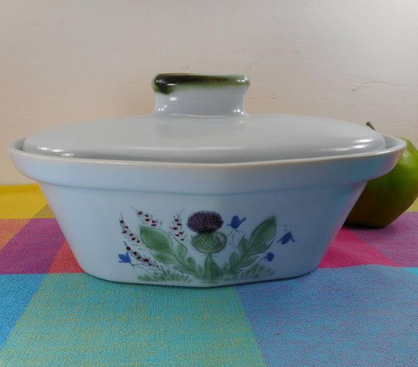 Buchan Stoneware Scotland Thistle Ware - 276/40 - 1.25 Quart Oval Covered Casserole