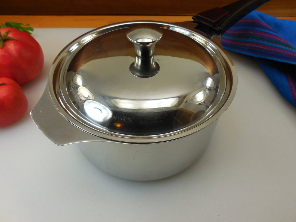 Triplinox France 18/10 Stainless 1.5 Quart Saucepan, Lid and Handle... top view