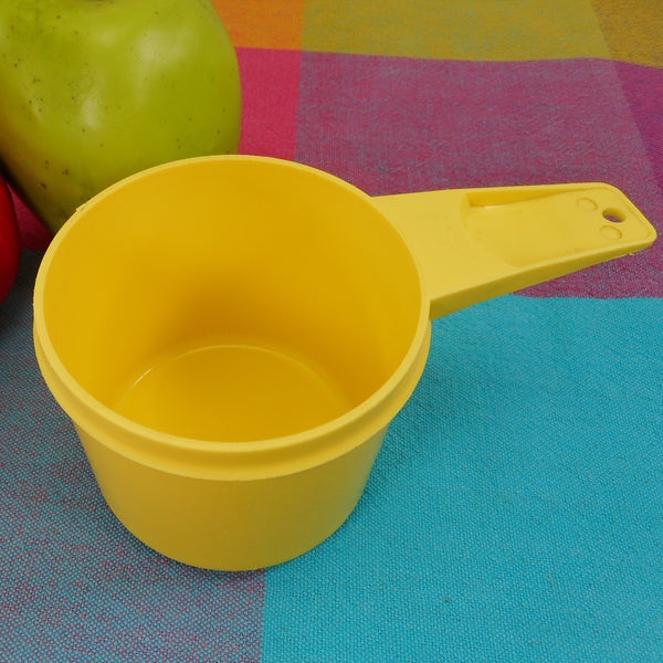 Tupperware Bright Yellow Measuring Cup - 1 Cup Replacement