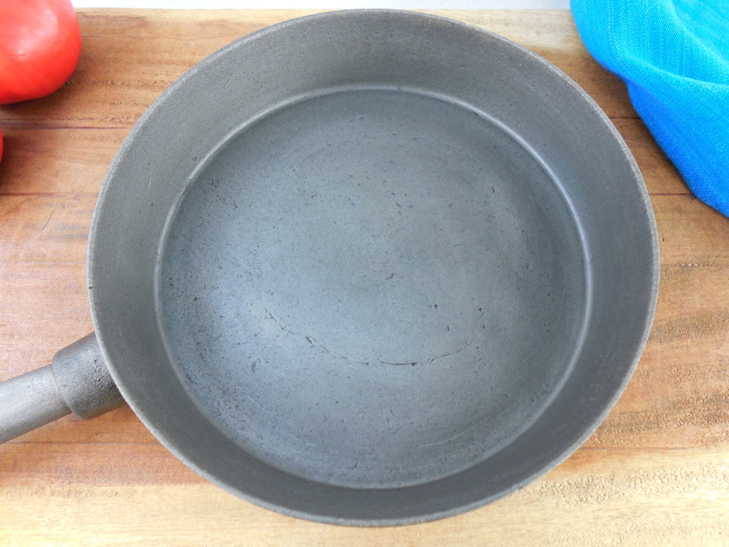 Unmarked Maker Old Vintage Cast Iron Skillet With Tube