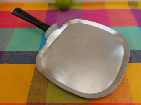 "Vollrath USA Strata-line Tri-Ply Stainless 12"" Griddle Black Handle"