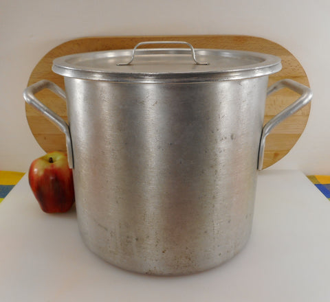 Wear Ever USA Vintage 1980s Aluminum Stock Pot & Lid - 9 Quart Model #4302 Commercial NSF