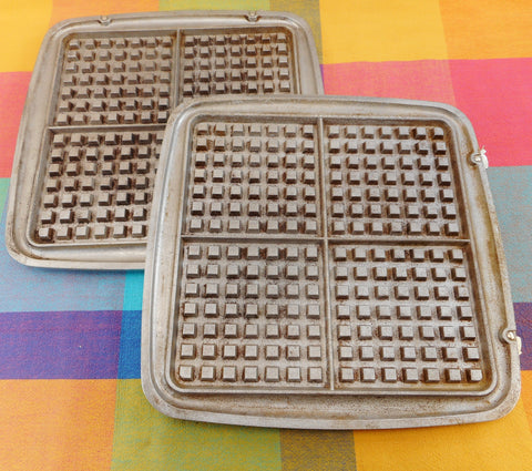 Westinghouse Cat. SGWB521 Electric Waffle Maker Iron Used Replacement Plates