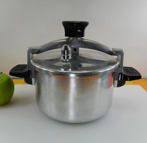 Wear-Ever Chicken Bucket Cook Pot Low Pressure Fryer 4 Quart 90024