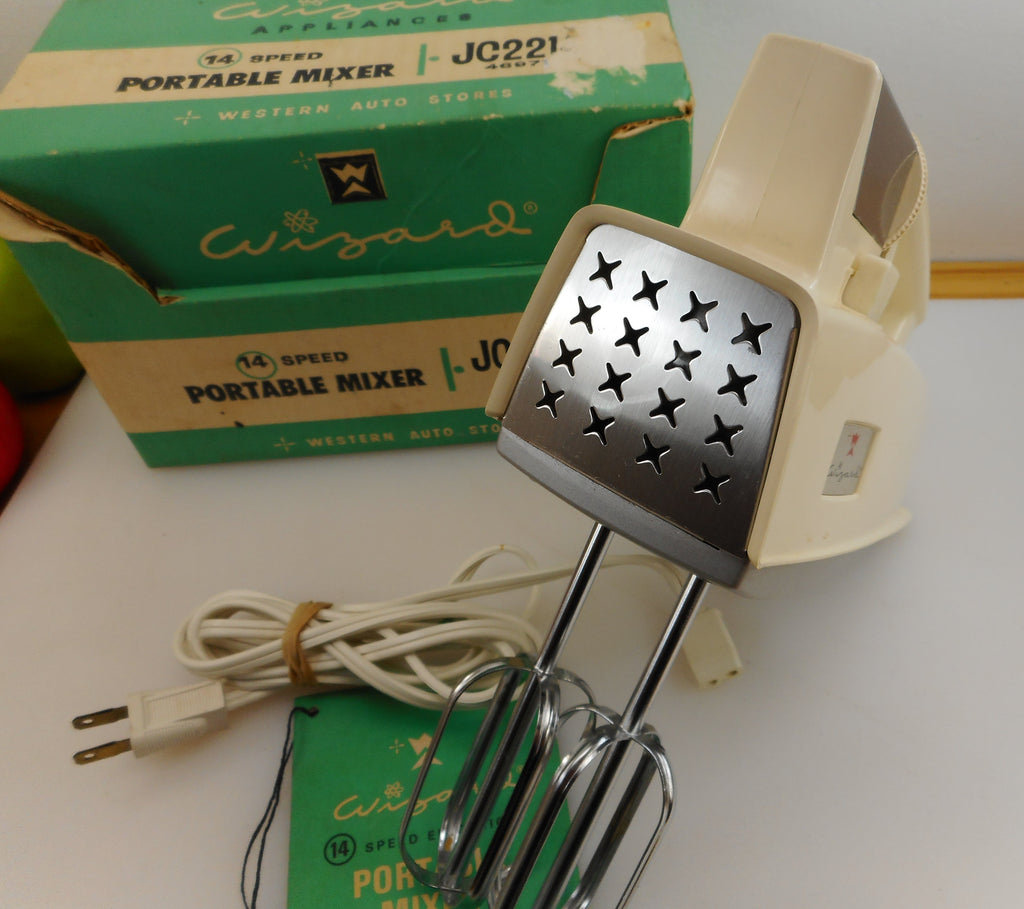 Western Auto Vintage Wizard Appliance Portable Hand Mixer