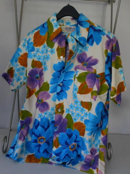 HUKILAU Shirt Hawaii Vintage 1960s Floral Print Blues Lavenders Tropical Unisex Great