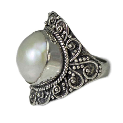 Detailed Mabe Pearl Ring