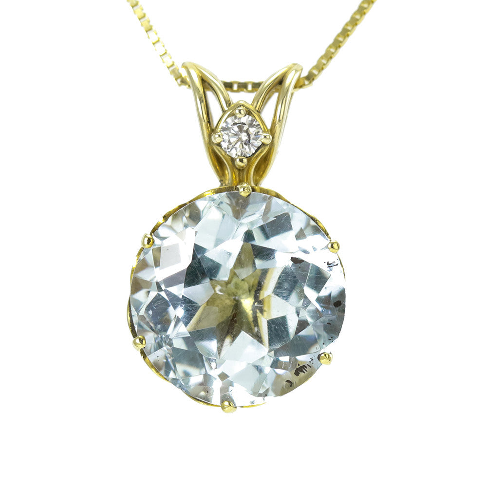 18k yellow gold round aquamarine and diamond necklace