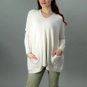 Knit with pockets -beige