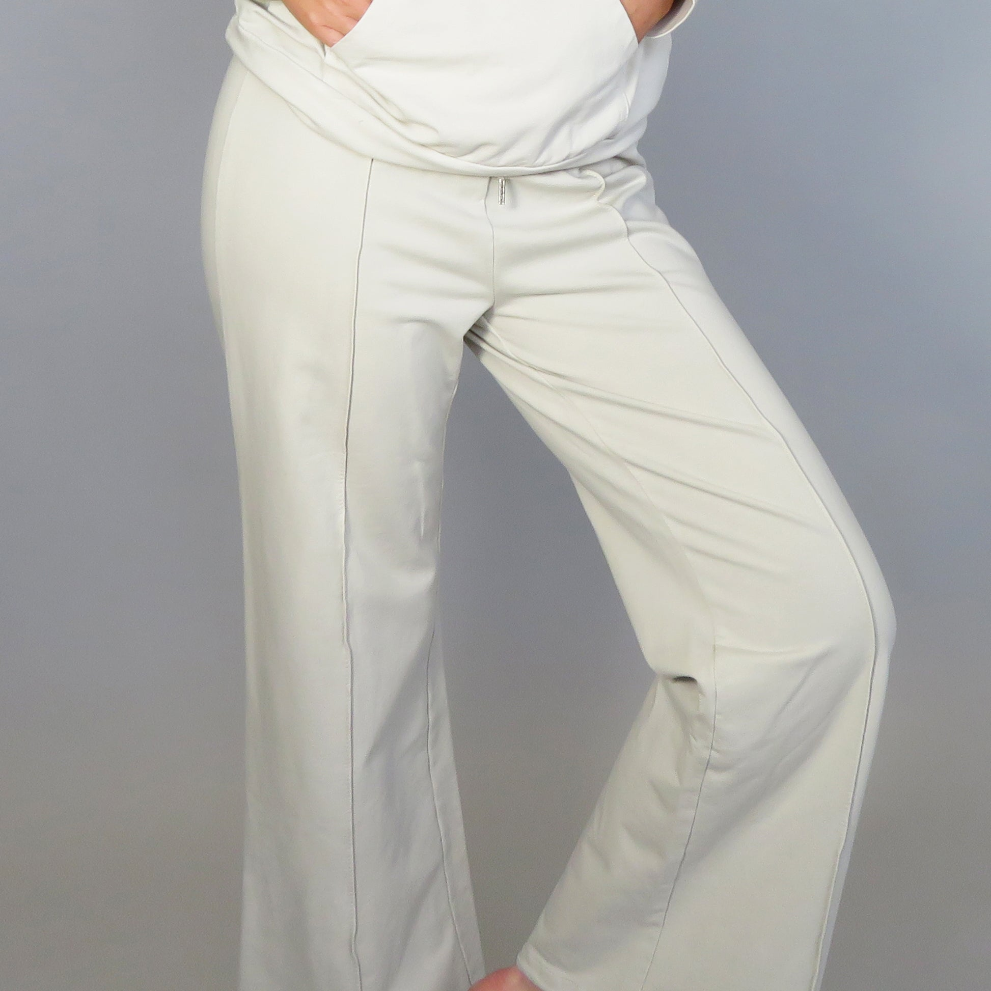 Wide joggers with centre seam