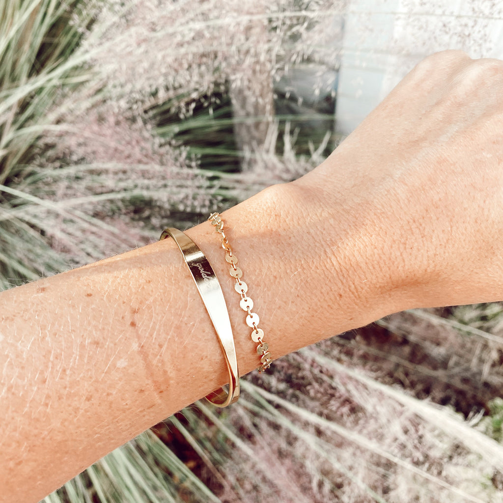 $influencer @hayleyhallmark wearing Whitney Bracelet Set by @brookandyork