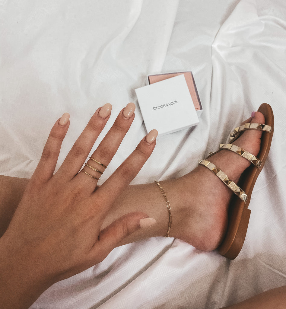 $influencer @katiehain_xo wearing Ivey Extra Thin Ring Set by @brookandyork