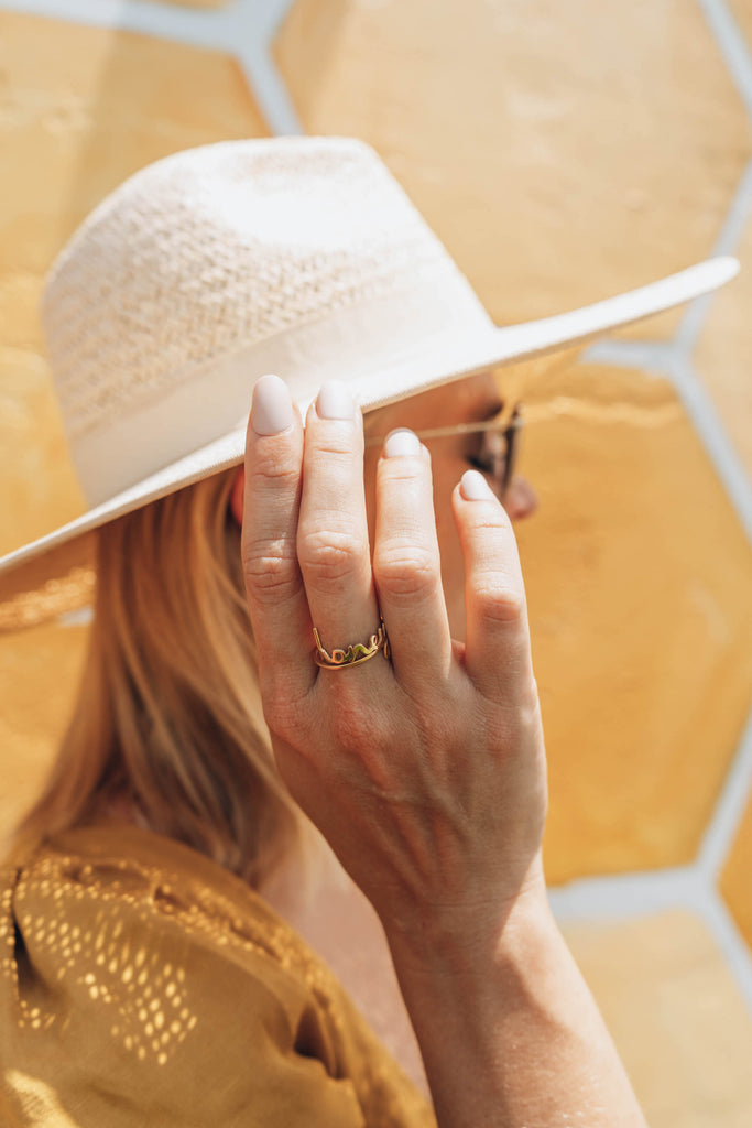 $influencer @meganraeoflight wearing Nella Nameplate Ring by @brookandyork