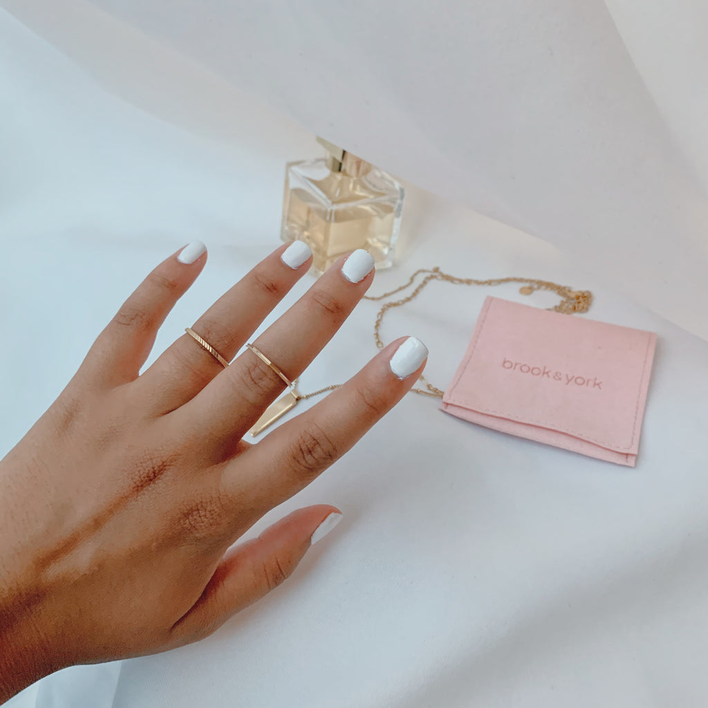 $influencer @sherligarcia wearing Nella Extra Thin RIng by @brookandyork