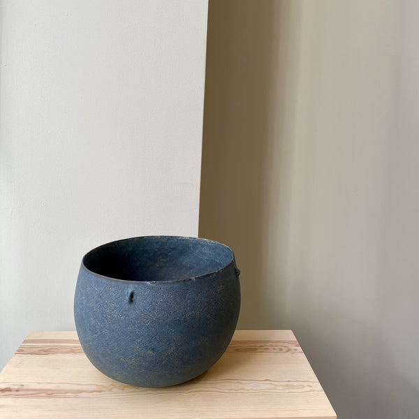 Bowl-Blue bowl with 4 handles-Linda Ouhbi-It's yo no bi