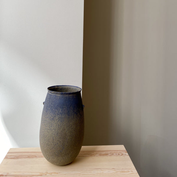 vase-Blue cyclade vase-Linda Ouhbi-It's yo no bi