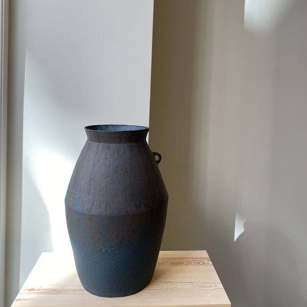 Vase-Blue extra-large vase with one handle-Linda Ouhbi-It's yo no bi