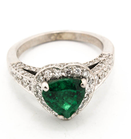 18K White Gold Emerald & Diamond Sweetheart Ring