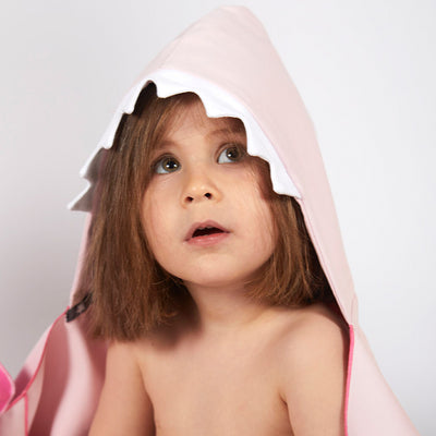 Little Champions Autonomy hooded towel Shark Pink