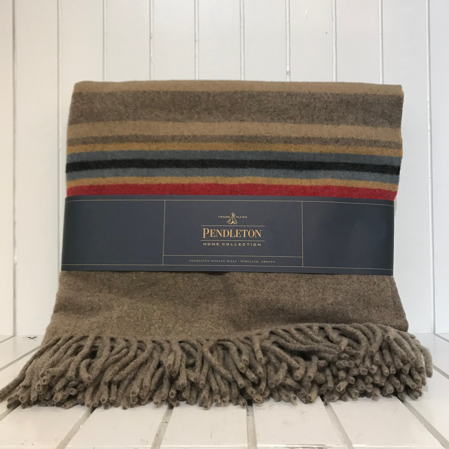 Pendleton | 5th Avenue Fringed Wool Throw | Mineral Umber
