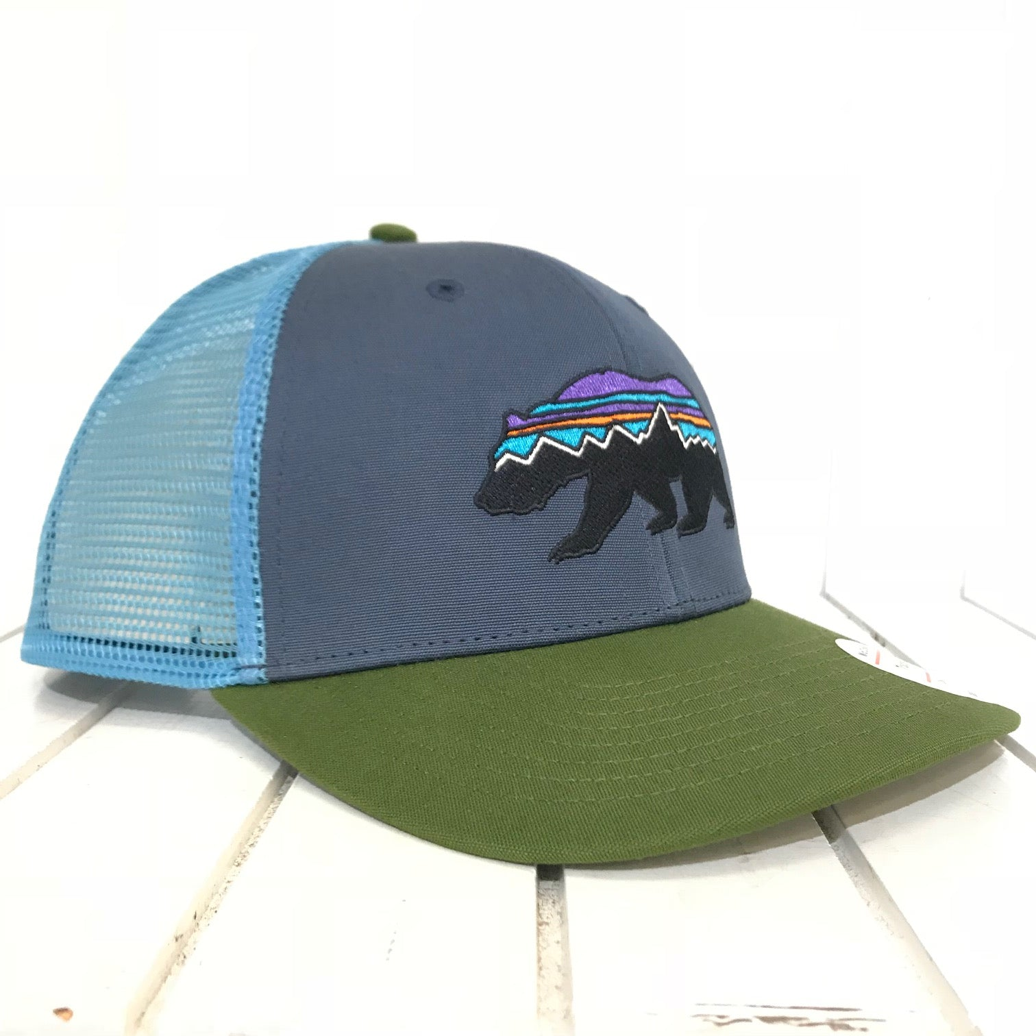 5e8c8ba9 Men's Patagonia | Fitz Roy Bear Trucker Hat | Dolomite Blue - FL Crooks